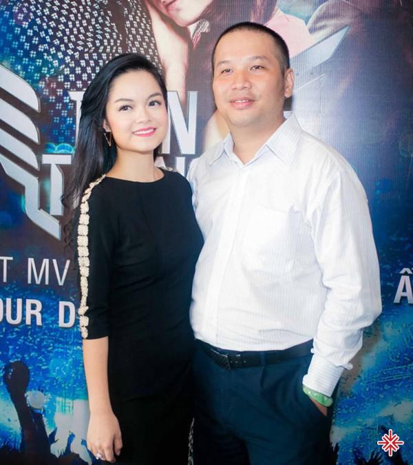 Phạm Quỳnh Anh và nhạc sĩ Nguyễn Quang Huy tuyên bố kết hôn vào năm 2012 với sự ngưỡng mộ của rất nhiều người khi trước đó.