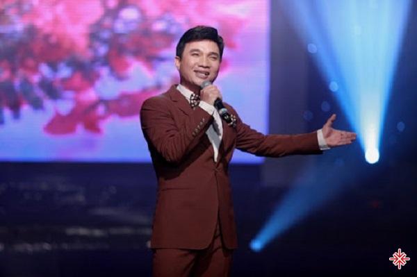 Thế nhưng, sau khi biết chuyện, Quang Linh bị anh hai cảnh cáo về chuyện đi hát mà bắt tập trung học hành.