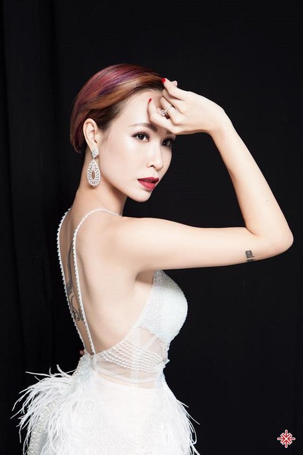 Uyên Linh hi vọng công chúng có thể xoá bỏ suy nghĩ một nghệ sĩ thì phải thường xuyên ra mắt sản phẩm.