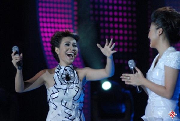 """Uyên Linh trong đêm chung kết """"Việt Nam Idol 2010""""."""