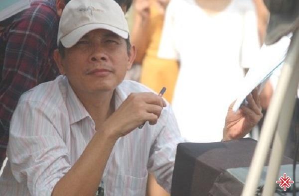 Trở về nước, Phạm Đông Hồng chọn hài dân gian để phát triển sự nghiệp và đam mê làm phim của bản thân.