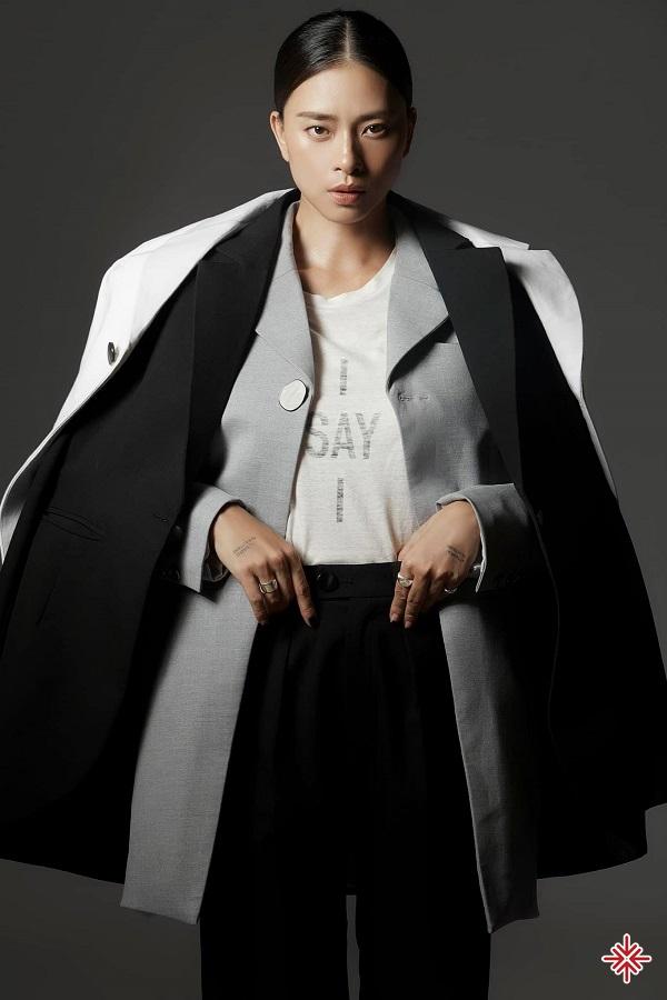 Ngô Thanh Vân bắt đầu sự nghiệp trong vai trò là người mẫu cho các tạp chí, lịch, các bộ sưu tập thời trang.