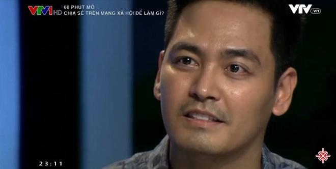 MC Phan Anh trong chương trình 60 phút mở.