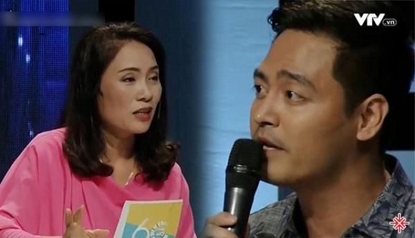 Nhà báo Tạ Bích Loan và MC Phan Anh.